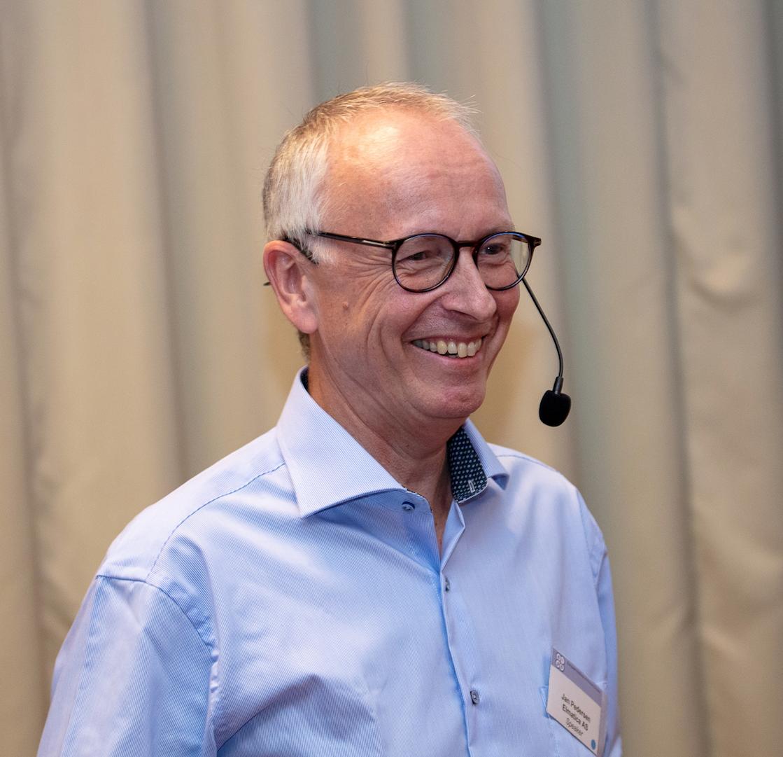 Jan_Pedersen- receives award